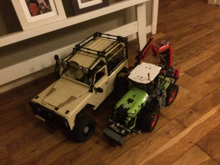 Size comparison with lego claas xerion 42054